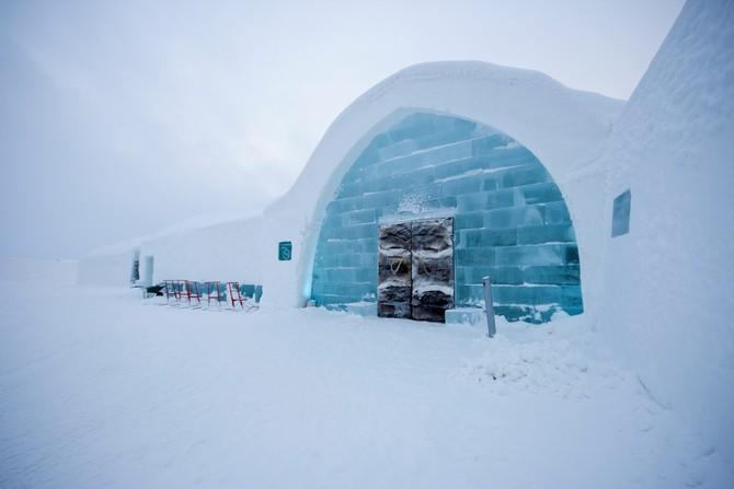 Hlavním stavebním materiálem hotelu jsou ledové bloky