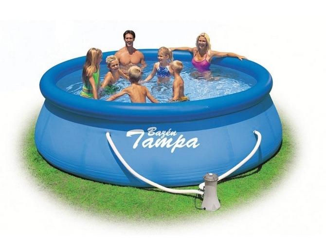 Bazén je osvěžení a relax