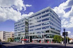 Transakce se uskutečnila formou převodu 100% obchodního podílu v nemovitostní společnosti, která budovu Park One vlastní.