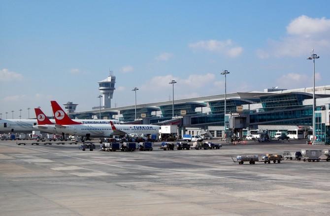 Oznámení o provozu letiště se týká tisíce Čechů