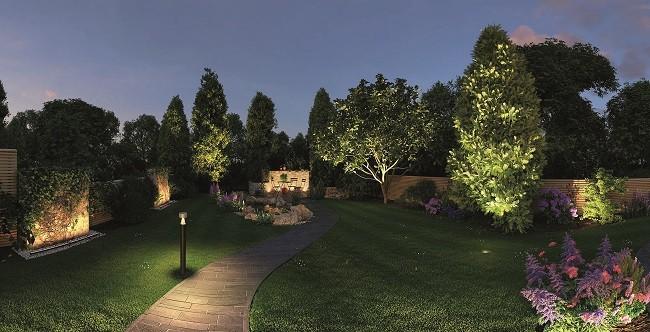 Zahradní osvětlení na zahradu.