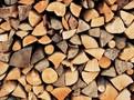 Krby na dřevo či dřevokotle jsou pro domácnosti stále lákavější