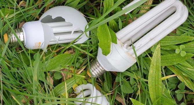 Nově by měly domácnosti recyklovat i svítidla