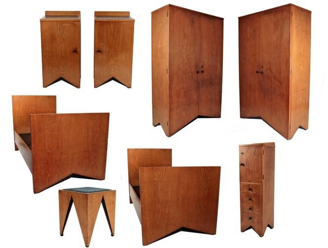 Kompletní soubor kubistické ložnice je dílem spoluzakladatele českého kubismu Vlastislava Hofmana