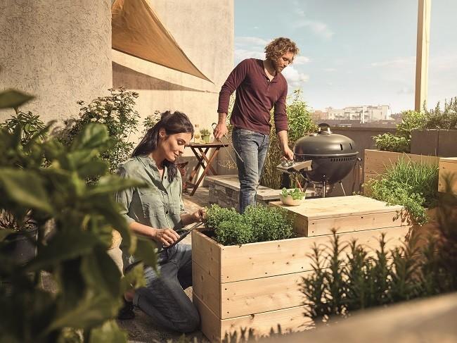 Pěstujte zeleninu, ovoce a bylinky na balkoně.