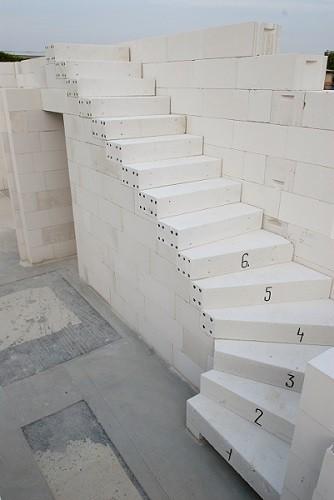 SCHODIŠTĚ YTONG – masivní schodiště na míru