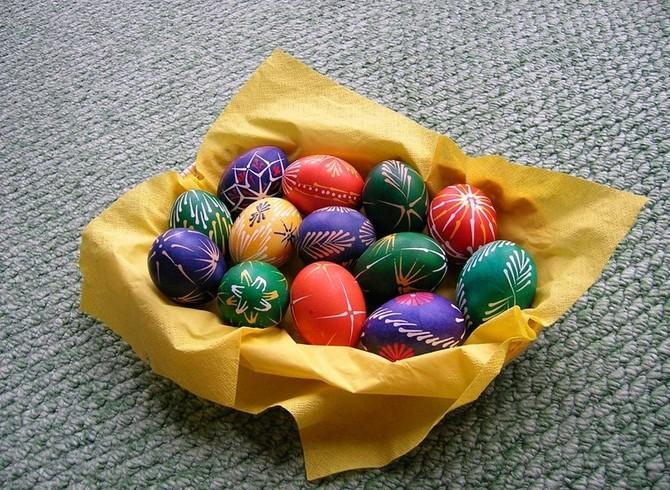 Zvykům kraluje barvení vajíček