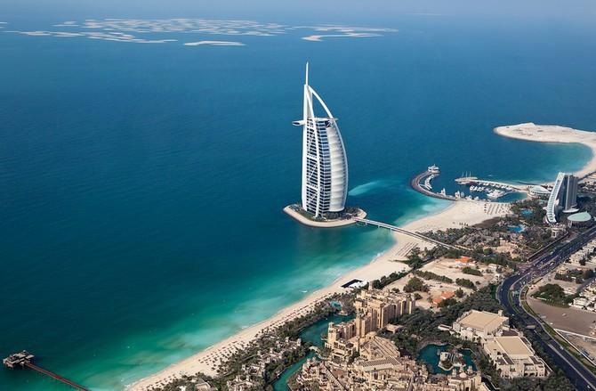 Turisty také láká mimo jiné na úžasné a různorodé pláže
