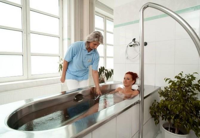 Oxid uhličitý se při koupeli vstřebává kůži
