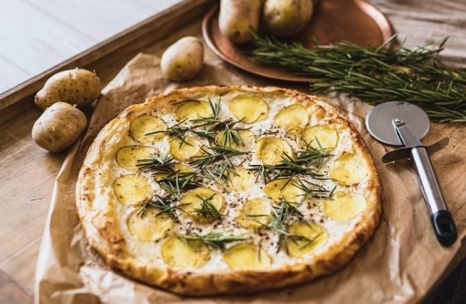 Recept na bramborový koláč s rozmarýnem