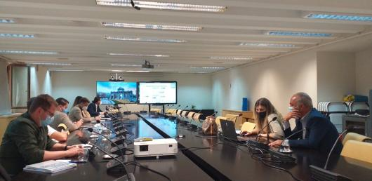 Pracovní jednání na radnici Madridu.