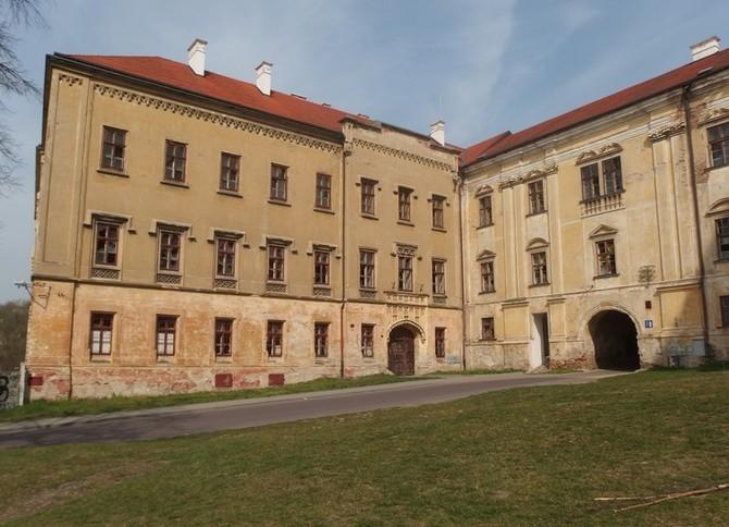 Na své poslání čeká Loucký klášter ve Znojmě