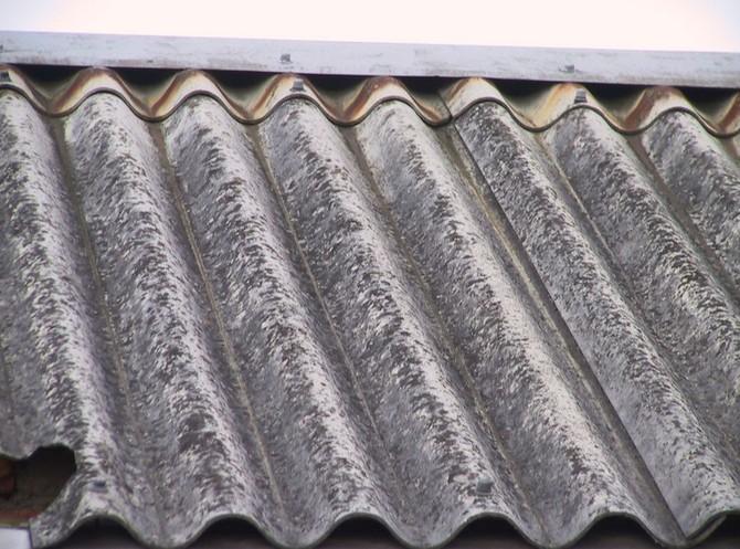 Kolik je v ČR azbestu? Vlastně nikdo neví