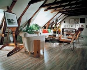 Bydlení v podkroví můžeme připodobnit k bydlení v rodinném domě