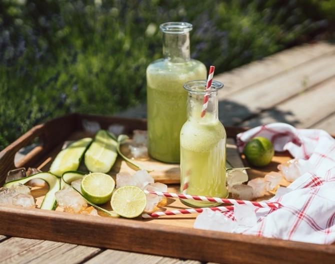 Domácí limonáda z okurky dokonale hydratuje