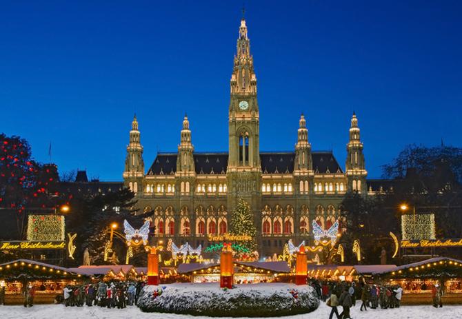Vánoční trhy ve Vídni patří k oblíbeným
