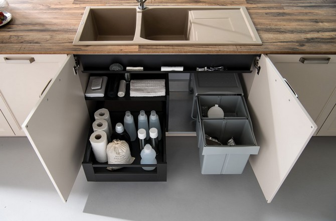Využijte prostor pod kuchyňským dřezem
