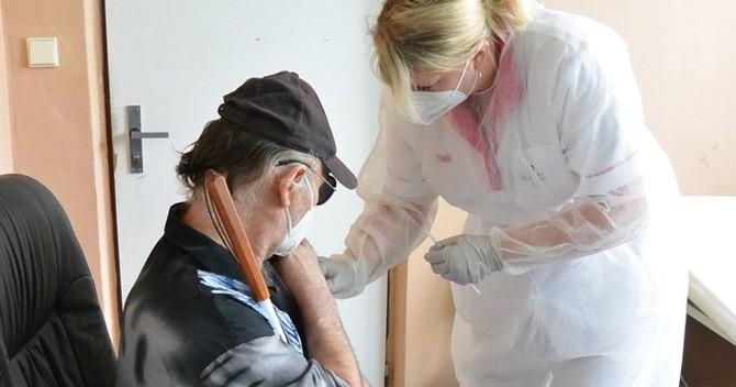 Fotografie z dnešního očkování v Domově sv. Františka