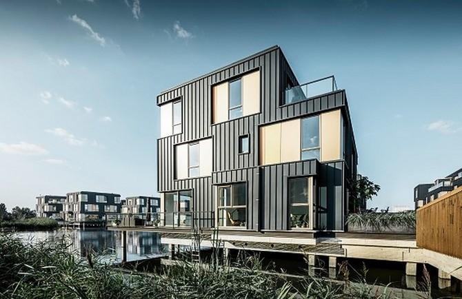 Harmonické bydlení uprostřed vodní hladiny