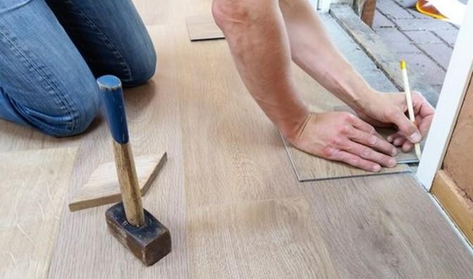 V domě začněte od podlahy