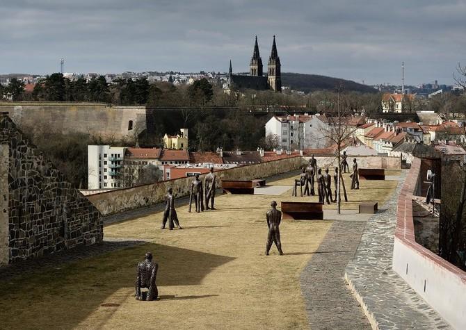 Obyvatelé i turisté budou v létě na svých cestách potkávat instalace