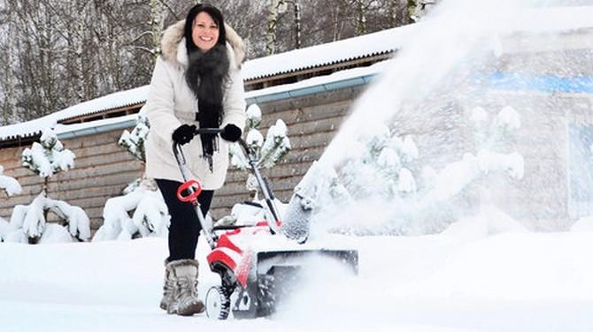 S vrstvou prašanu si poradí lehké sněhové frézy
