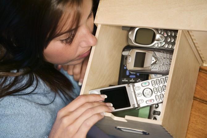 Doma máme uložených cca 10 miliónů starých mobilů