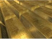 Cena zlata poprvé za téměř 6 let překonala 1400 dolarů za unci