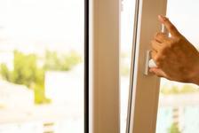 Co udělají letní horka s vašimi plastovými okny?