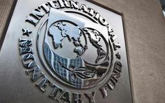 Ceny energií se budou normalizovat, říká MMF. Co radí centrálním bankám?